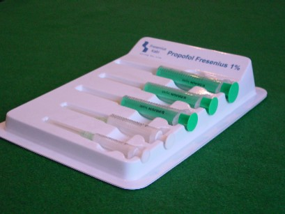 Thermoformed syringe tray